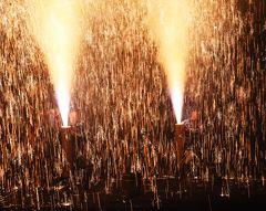 豊橋の手筒花火: 炎の祭典から羽田祭へと観覧、写真撮影の旅