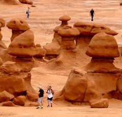 団塊夫婦の2017年アメリカ国立公園ドライブ旅行ー(5)魔訶不思議な奇岩の庭園・ゴブリンバレーへ