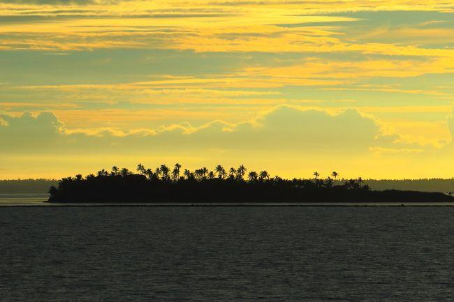 世界の島巡りでミクロネシアのトンガタプ島を撮ってきました。<br /><br />トンガ王国、通称トンガは、南太平洋に浮かぶ約170の島群からなる国家で、イギリス連邦加盟国である。オセアニアのうちポリネシアに属し、サモアの南、フィジーの東に位置する。首都は、ヌクアロファで、最大の島トンガタプ島にある。<br /><br />世界の美しい風景を紹介するマイHPは下記アドレスをご覧ください。<br />http://www.zenpakusan.com/