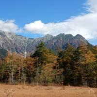 秋の上高地を散策、あまりの美しさに感動!