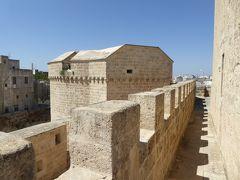 プーリア州優雅な夏バカンス♪ Vol299(第15日) ☆Corigliano D'Otranto:「コリリアーノ・ドトラント城」屋上を優雅に歩く♪