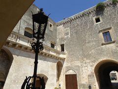 プーリア州優雅な夏バカンス♪ Vol300(第15日) ☆Corigliano D'Otranto:「コリリアーノ・ドトラント城」パテオや城内を優雅に歩く♪