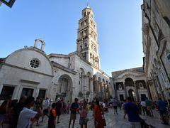 クロアチアメインの旧ユーゴ4ヶ国と最後に少しオーストリア1人旅 その11:スプリト編① ローマ皇帝ディオクレティアヌスの宮殿の上に築かれたという珍しい成り立ちの港町