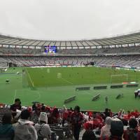 秋雨の中、歓喜のFC東京戦
