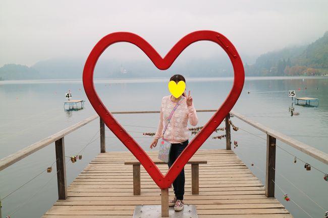 ヨーロッパ大好き姉妹は今年はクロアチアとスロベニアに行く事にしました。<br />以前から興味のあったトロッコ列車に乗って入るボストイナ鍾乳洞、スルジ山からの絶景、メルヘンのようなブレット湖、緑豊かなプリトヴィッツェ湖国立公園などを巡り大感激の旅でした。<br />旅行を終えてからもしばらくは余韻が消えませんでした。<br /><br /><br />