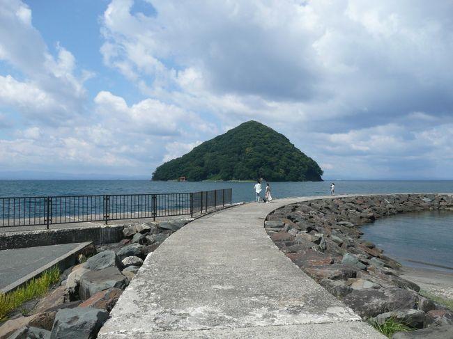 今年の夏はものすごく暑かった。でも、それは7月まで・・・。信じられないくらい暑かったのに、8月に入って一気に20℃以下に。寒い・・・。海どころではない・・・。<br /><br />でも、海には行きたい。おいしいものも食べたいってことで行ってきました。