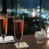 いつもと違う秋の札幌、藻岩山の夜景レストランに札幌ドームにビール工場
