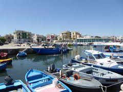プーリア州優雅な夏バカンス♪ Vol374(第19日) ☆Savelletri:美しき漁村「サヴェッレトリ」♪漁港を眺めて♪