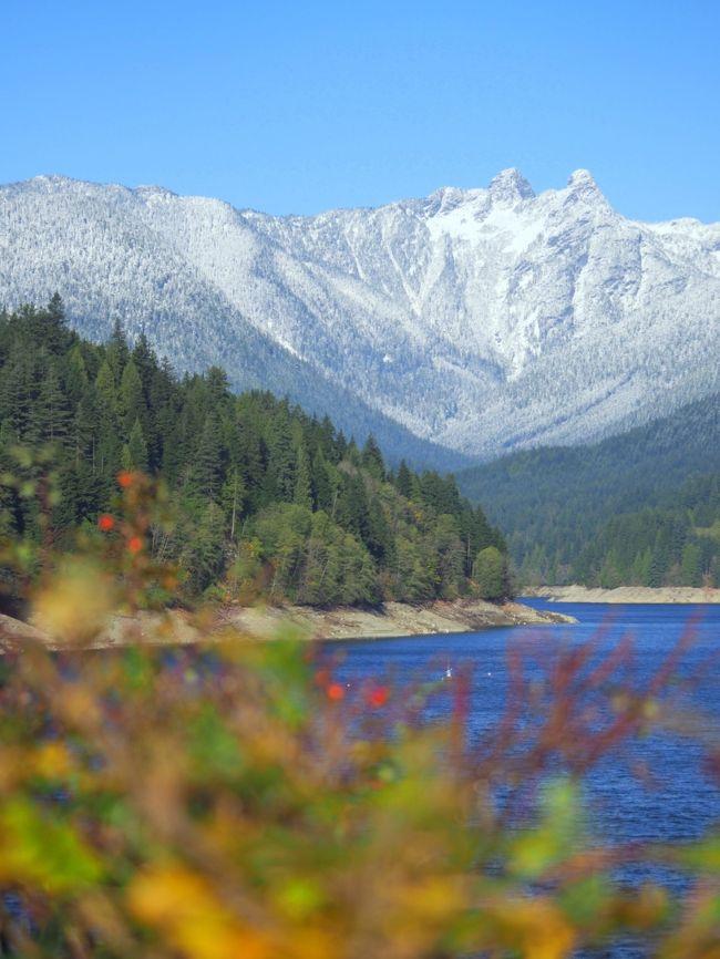 町なかの湖ディアレイク 秋景色のバンクーバー