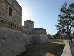 プーリア州優雅な夏バカンス♪ Vol383(第19日) ☆Bari:美しき古城「バーリ城」♪