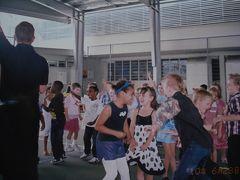 6才と4才の娘がケアンズの私立小学校と幼稚園に留学③。ダンスパーティー♪。小学校留学で注意したいこと。