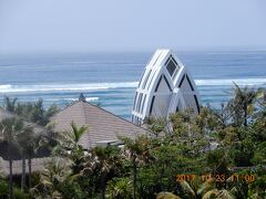 バリ島・リッツ・カールトン  動画 インド洋前とマンダパの Ritz Carltonの二箇所