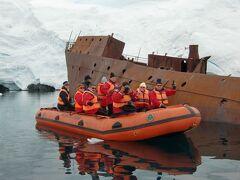 Antarctic Dream号<空キャビン利用>で南極へ エンタ-プライズ島付近の廃船の残骸へ  No4