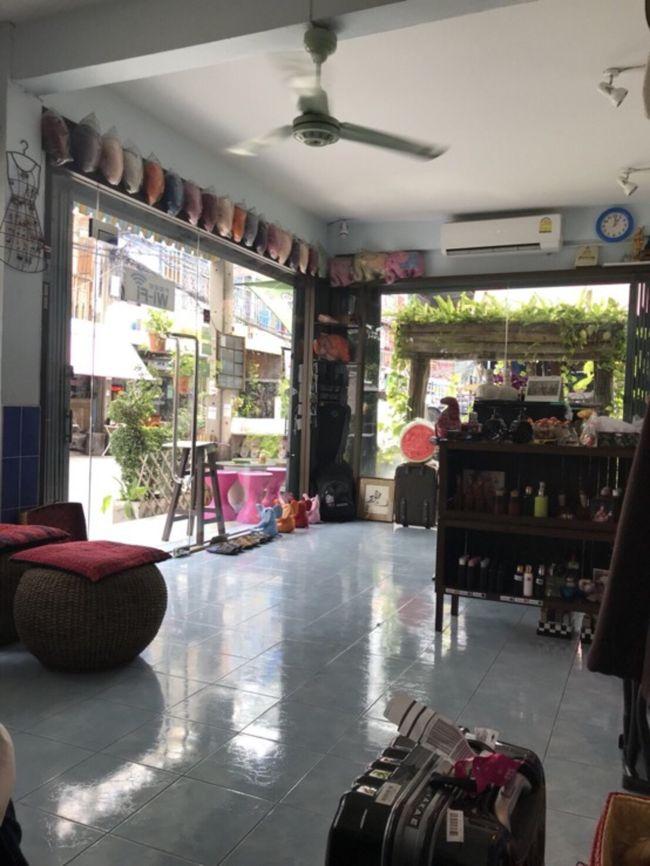 タイへ1週間旅行。<br />今回の旅の目的はチェンマイでラプンツェルで有名なコムローイ祭に参加。<br />観光はチェンマイではドイステープ寺院へ<br />バンコクでは線路市場、水上マーケットへ行き、象に乗りました。<br />そしてタイといえばもちろん、スパで癒しを得て帰国。<br /><br />アラサー女子放浪記ですー(*´`)