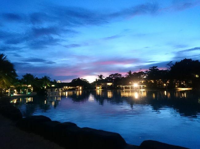 フィリピンのセブ島 3泊4日<br /><br />はじめてのセブ島<br />島リゾートはグアム以来15年ぶり<br /><br />有給1日取れば行けるお気に入りの街を見つけたくてアジアで気になる街を探した<br /><br />第二弾はフィリピンのセブ島<br /><br />ひとりセブ島2泊3日予定を友人との3泊4日のツアーに変更<br />それならとホテルをランクアップして女子旅リゾート<br /><br />プランテーションベイホテルスティ<br />ラグーンとビーチ、テラスでビール、キレイなサンセット、クリスマスイルミネーション、のんびりゆったりホテルリゾート