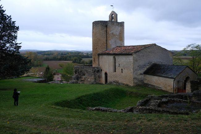 4回目のスペイン。今回タラゴナ県には立ち寄らなかったが、仏領カタルーニャを含めたカタルーニャ地方のロマネスクの教会を訪ね歩く。<br />【旅程】--------------------------------------------------<br />11/3(金)~11/11(土) 7泊9日<br /> 1日目  羽田→バルセロナ(カルドナ泊)<br /> 2日目  アルティエス<br /> 3日目  フォア<br /> 4日目  アルジュレス=シュール=ラメール<br /> 5日目  アルジュレス=シュール=ラメール<br /> 6日目  ベサルー<br /> 7日目  ペラタリャーダ<br /> 8日目  ペラタリャーダ→バルセロナ→フランクフルト→羽田<br /> 9日目  帰国