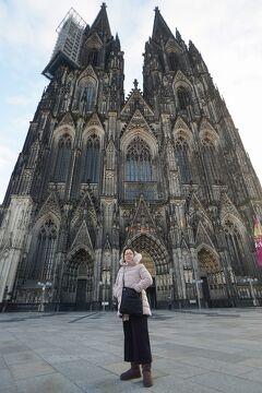 ドイツ・ベルギー・オランダ3か国のクリスマスマーケット巡り(2) ケルン大聖堂の参拝とクリスマスマーケットの夜を楽しむ。