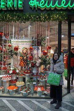 ドイツ・ベルギー・オランダ3か国のクリスマスマーケット巡り(14)大雪のデュッセルドルフで最後のクリスマスマーケットを楽しみ空港へ向かう。