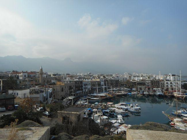 キプロス2日目、といっても午後5時をめどにラルナカ空港に向かわねばならないので、ゆっくりなんてしてられません。グリーンラインヲ再びわたって、ギルネを一巡り。そのあと南北のレフコシアを歩き回ろう、って頭の中では緻密な計画を立てていたものの、キレニア城でゆっくりし過ぎたことなどもあり、最後はバタバタでラルナカ空港に向かうことに<br /><br />旅程は以下の通り<br />12月19日 QR0807 成田-ドーハ    <br />   20日 QR0265 ドーハ-ラルナカ<br />     ラスナカ→ニコシア→ファマグスタ→ニコシア ニコシア泊<br />   21日 ニコシア→ギルネ→ニコシア→ラルナカ<br />     QR0270 ラルナカ-ドーハ<br />   22日 QR0806 ドーハ-成田  <br />