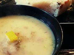 京都で迎えるお正月は白味噌雑煮でしょ。
