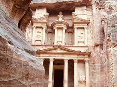 神秘の遺跡があるヨルダンに行ってきました!(世界遺産のペトラ遺跡 エル・ハズネを堪能)