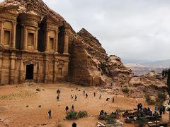 神秘の遺跡があるヨルダンに行ってきました!(険しい岩山を登りエド・ディル修道院に到着!)