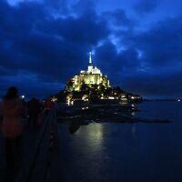 ル・モン-サン-ミシェル_Le Mont-Saint-Michel 大天使ミカエル!そのお告げで誕生した聖地は、要塞・監獄を経て再び聖地へ