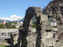 シャモニーからモンブラントンネルを越えてイタリア、アオスタの谷へ