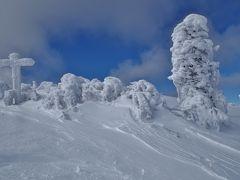 蓼科山 雪の造形の樹氷は自然の芸術品