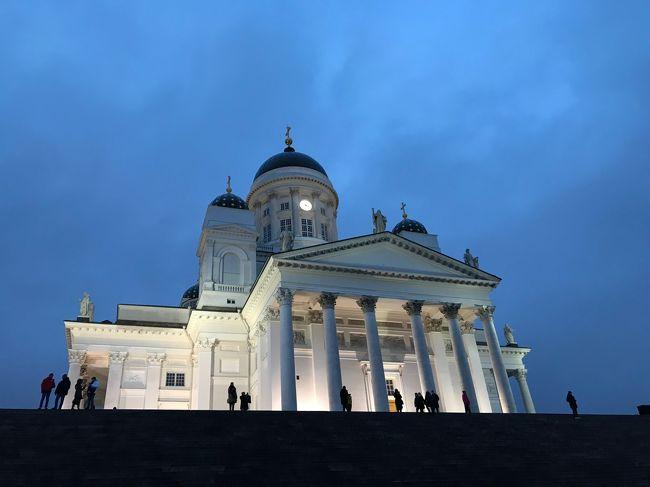 年末年始に北欧のスウェーデンストックホルムとフィンランドヘルシンキに行ってきました。<br />ヨーロッパの昔ながらの町並みと現代のアートが融合した素敵な都市でした。<br />北欧雑貨大好き、ムーミン大好き、マリメッコ・イッタラ・イケアとフインランド。スウェーデンブランドが大好きな私にとってはたまらない旅。<br />観光にショッピングにグルメにと大満足の旅でした。<br /><br />旅程は<br />12月29日 成田空港 22:00発 カタール航空<br />12月30日 早朝ドーハラマド空港着 ドーハ市内観光 ドーハからストックホルムへ<br />12月31日 ストックホルム市内観光<br />1月1日 ストックホルム市内観光 午後シリアラインでヘルシンキへ<br />1月2日 午前ヘルシンキ着 ヘルシンキ観光 夜再び飛行機でストックホルムへ<br />1月3日 ストックホルム市内観光 夜ストックホルムからドーハへ<br />1月4日 早朝ドーハ着 トランジット約1時間で羽田へ 22:00羽田着<br /><br />1週間で詰め込みのスケジュールでしたが大満足の旅でした。<br /><br />※カタール航空での旅は「カタール航空で行くストックホルム ドーハと搭乗記」編で。