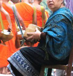 Laos メコンの宝石(15/20) 世界遺産ルアンパバンの托鉢
