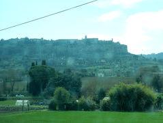 高かーい丘の上の街、オルヴィエート 行くにはケーブルカーで行くしかないか?①イタリア 16