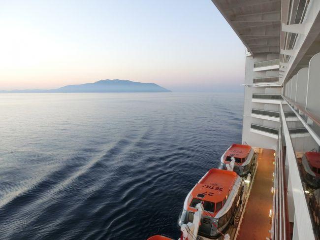 ナポリを出港したファンタジアはイタリア半島を北上し、トスカーナ州最北に位置するラ・スペツィアに入港(お昼12:00)する。ここで我々はフィレンツェへのバスツアーに参加する。<br /><br />◎私のホームページに旅行記多数あり。<br />『第二の人生を豊かに』<br />http://www.e-funahashi.jp/<br /><br />『夢の豪華客船クルーズの旅<br />ー大衆レジャーとなった世界の船旅ー』<br />本書完売につき、電子書籍アマゾン・キンドル版として<br />新たに出版しました<br />https://www.amazon.co.jp/dp/B078LPSDYJ/ref=sr_1_1?ie=UTF8&qid=1514161467&sr=8-1&keywords=B078LPSDYJ<br />