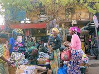 西アフリカ航空旅行(セネガル、ブルキナ、ニジェール、ギニア、マリ)の旅:5 マリのバマコでチェックイントラブル危機一髪