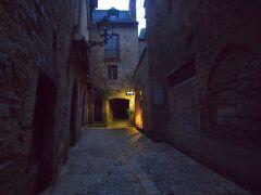 《2017~2018年末年始 暖冬のフランス 《4》 サルラ・ラ・カネダ 魅せられた 中世の街の 日暮れ