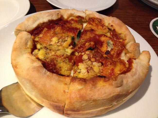 久しぶりの東京<br /><br />仕事を終えて、大手町にあるドランクベアーズに<br />http://www.dreamcorp.co.jp/db/<br /><br />シカゴピザという厚みのあるピザを出すお店らしい