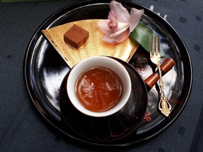 バレンタインの季節となりました。<br />職場の男性陣には京都のチョコレートをあげようと、昨年のリベンジも兼ねて今年も2月にやってまいりました。<br />画像は京都生ショコラ オーガニックティーハウスにて