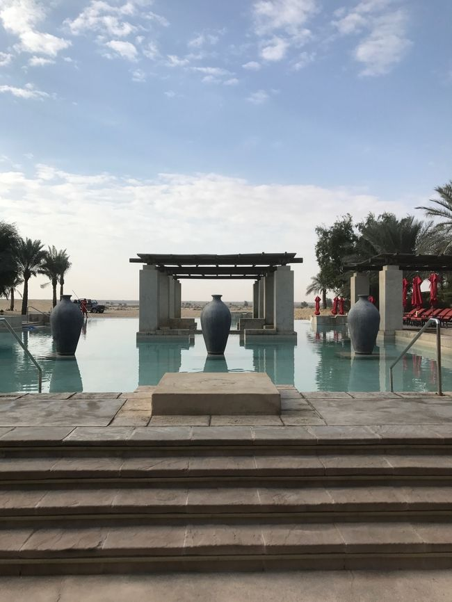 Bab Al Shams Desert Resort&Spaの見どころは数枚の写真だけでは伝えきれません。<br />ということで、後編です。<br /><br />朝食後、プールで遊んでからチェックアウト。<br />午前中だけのことですが、それだけでも魅力はいっぱい!<br /><br />時間ぎりぎりまでBab Al Shams Desert Resort&Spaを満喫します(^^)<br />