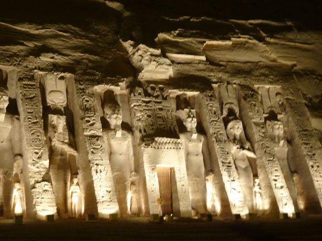 元気なうちに行きたかったエジプトに行ってきました。<br />感動の感動の連続で本当に行ってよかったです。<br />