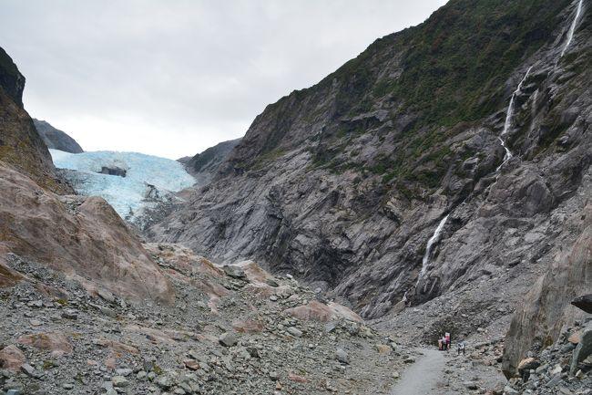 1月21日 1日休養<br />背中の調子が不安でしたので一日静養していました。<br /><br />1月22日 フランツジョセフ氷河とフォックス氷河グレーシャーウォークへ行きました。<br />08時30分 出発<br />09時15分 フランツジョセフ氷河の展望台着<br />10時00分 駐車場戻り<br />10時35分 フォックス氷河駐車場着<br />11時30分 雨が降り出したのでしばらく休憩してから出発<br />12時25分駐車場戻り<br />https://youtu.be/H2-FEcg8W2c