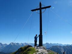 何で私がハイキング? 2016年 オーストリア・スイス 6-1 ゼーフェルト・フルプメス