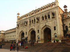 インド普通列車の旅(6)建造物が立派な古都ラクナウ