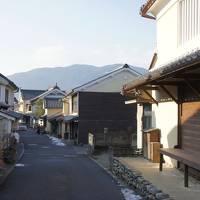 内子の中芳賀家の蔵をリノベーションしたゲストハウスに泊まり、内子・大洲観光