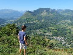大好きフランスvol.14Lourdes ピレネーの小山の上でチーズ 自然と歴史に乾杯