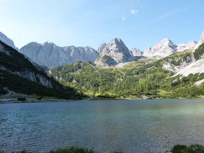 8月24日<br />今日も晴れ!!嬉しい!この旅行で雨にはまだ当たっていません。<br />大好きな山マリーエンベルク山(Sonnenspitze)で、今まで行っていた裏側に素敵な湖を見つけたので、ハイキングで行きます。<br />その後バス移動して、ツークシュピッチェにゴンドラで登って、去年凍っていて、つるつるで歩けないと断念した本当の頂点目指します。<br />お天気で本当に良かった~~