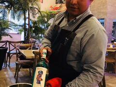 【カンクン発】密かに話題の青ワイン(VINO AZUL)を試してみたぞ! By ウォータースポーツカンクン店長吉田