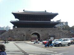 韓国 龍仁、東大門