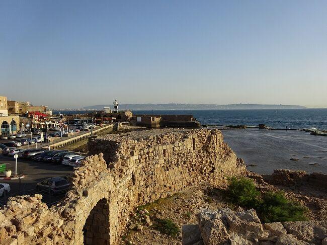 エレヴァン(アルメニア)近郊を観光して、その夜の飛行機でテルアビブ(イスラエル)に向かいます。<br />イランを旅しているのでイスラエル入国はドキドキものです。<br />新しい旅の始まりです。<br />イスラエルの国内移動はレンタカーにしました。<br />世界遺産は今日だけで4ヶ所!<br />回りきれるのでしょうか。<br />その世界遺産は「カルメル山の人類の進化を示す遺跡群:ナハル・メアロット/ワディ・エル・ムガラ洞窟」「ベート・シュアリムのネクロポリス:ユダヤ人再興の中心地」「聖書ゆかりの遺丘群:メギド、ハゾル、ベエル・シェバ」「アッコの旧市街」です。<br /><br />1イスラエルシェケル≒\32です。<br /><br />●中東の旅(イラン)5.1~5.10<br />●コーカサスの旅 5.11~5.17<br />●イスラエルの旅<br />☆5.18 イスラエル北部の世界遺産<br /><br />参考:地球の歩き方<br />  :世界遺産アカデミー