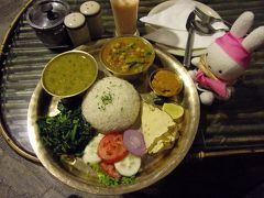 「思い」を届けにヒマラヤの聖地へ ~ヒマラヤのふもとにあるネパールへの1泊4日の旅~ その3 カトマンズ市内を見渡せる高台で夕焼けを!スワヤンブナート & カトマンズのタメルエリアを中心に夜の街散歩