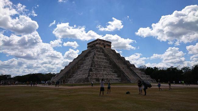 """今年の"""" 旅行部 """"は、マヤ文明の"""" ピラミッド """"を見に行こう!<br /><br />って事で、メキシコのカンクンに毎度の"""" ピコちゃん """"と、久しぶりの"""" クバちゃん """"と3人で行く事になりました(*^^*)v?<br /><br />マヤのピラミッドしか頭に無かったワタシ、カンクン? どこやねん? メキシコ?<br /><br />と、調べて行くと...え?超リゾートやん!<br /><br />おっさん3人で行くところやないやん!(爆笑)<br /><br />まあ、でもオモシロそうやん! ちゅー事になりましたwww<br /><br />そして今回も """" 期待裏切らない男 """"ピコちゃんは、何かやらかす予感... <br /><br />f(^^;)<br /><br />そして予感的中!(笑) あわや前代未聞の事件になる所でした。(笑)<br /><br />では、珍道中の始まり始まり~? (⌒∇⌒)b グッドラック?"""